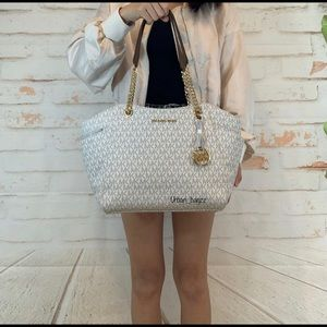 Michael Kors JST Large Chain Shoulder Bag